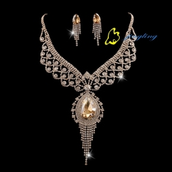 New Cheaper Jewelry Kits Pretty Summer Necklaces 36cm Length Fashionable Lady Earrings Rhinestone An