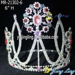 Youth Volunteers Crown flower shape