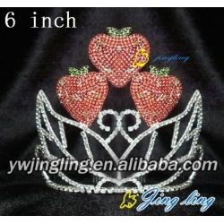 delicious strawberry birthday crown