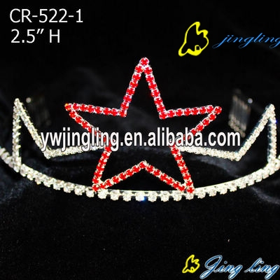 The big star in red color patriotic crown